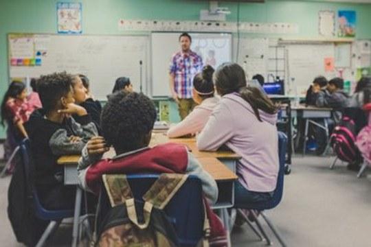 Minori migranti in Europa: rafforzare la scuola come luogo di inclusione